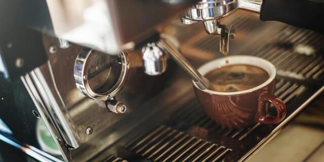 打ち合わせはカフェで